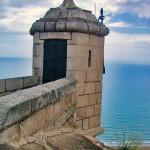スペイン地中海と城
