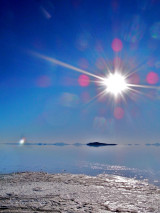 ウユニ塩湖の直射日光