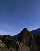 マチュピチュ遺跡と青い空