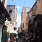 モロッコマラケシュ市場と青空