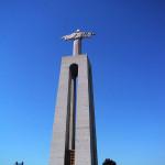 ポルトガルのクリスト=レイ像と青空