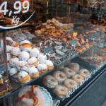 ポルトガルはお菓子の店がいっぱい,