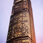夕日が映える香港のビル