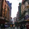 人々が賑わう南京路