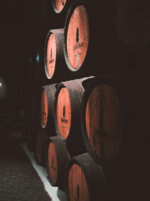 ポルトガルのポルトのワイン倉庫